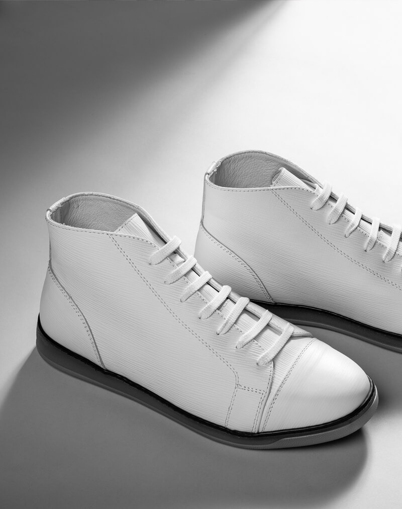 Midtop sneakers, take your game to a whole new level.<br>Made in Italy.